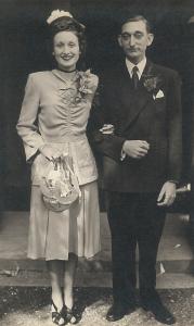Joy and Chas Atkins wedding photo