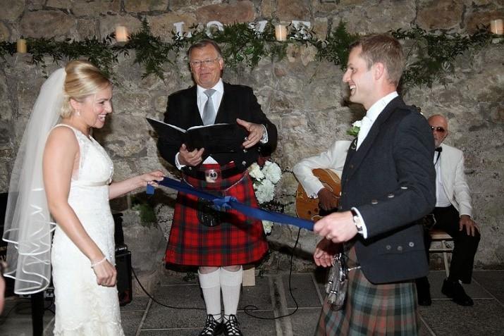 Hand Fasting Wedding Ceremony Photograph Credit Www Stuartcraig